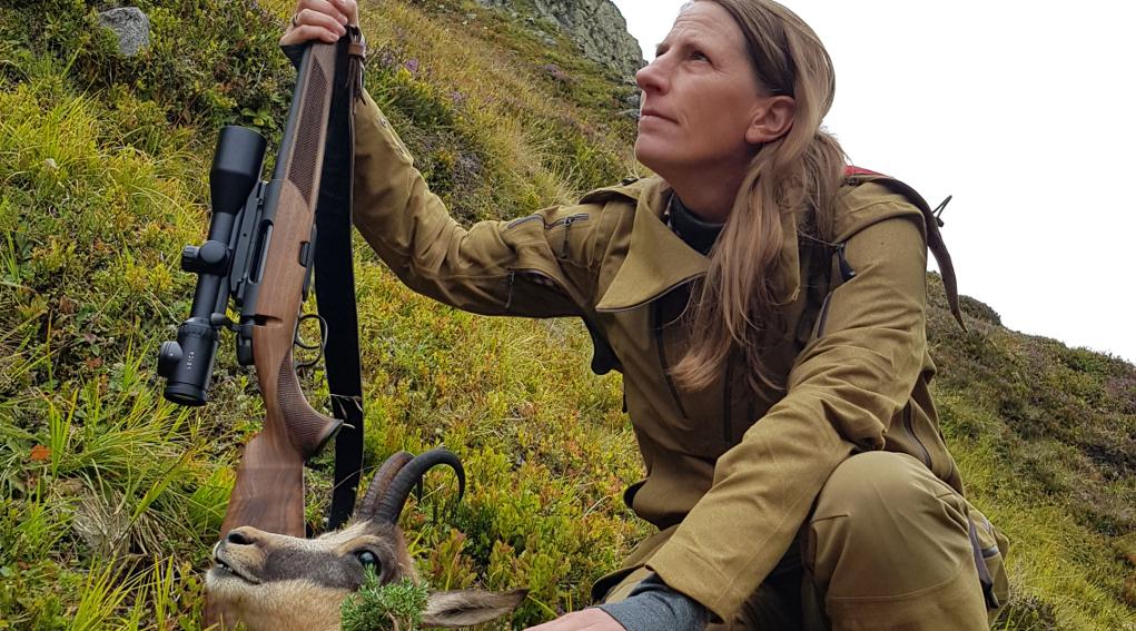 cacciare a palla giugno 2019 la giornalista tedesca ilka dorn a caccia di camosci in austria